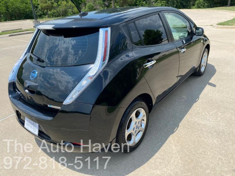 Nissan LEAF 2012 price $7,990
