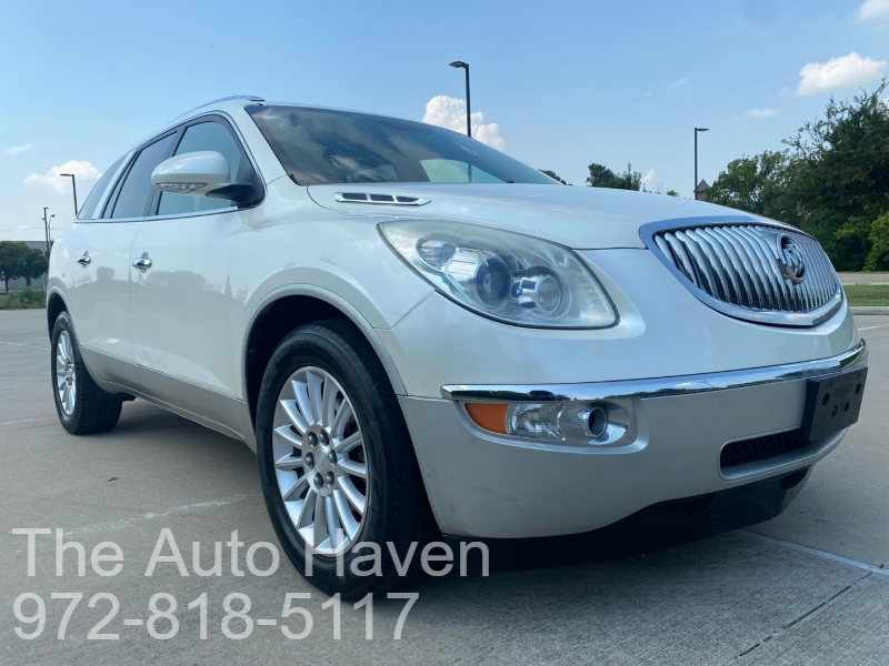 Buick Enclave 2011 price $8,990