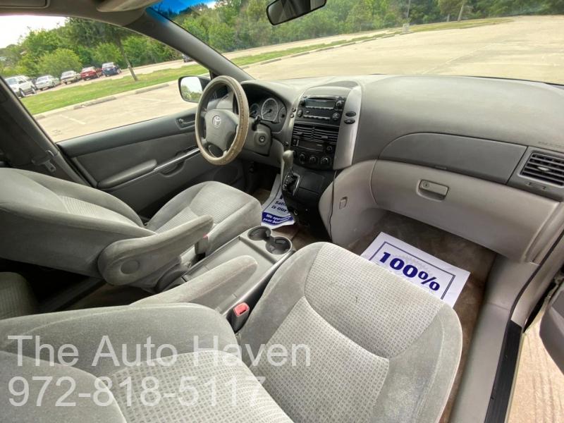 Toyota Sienna 2006 price $5,500
