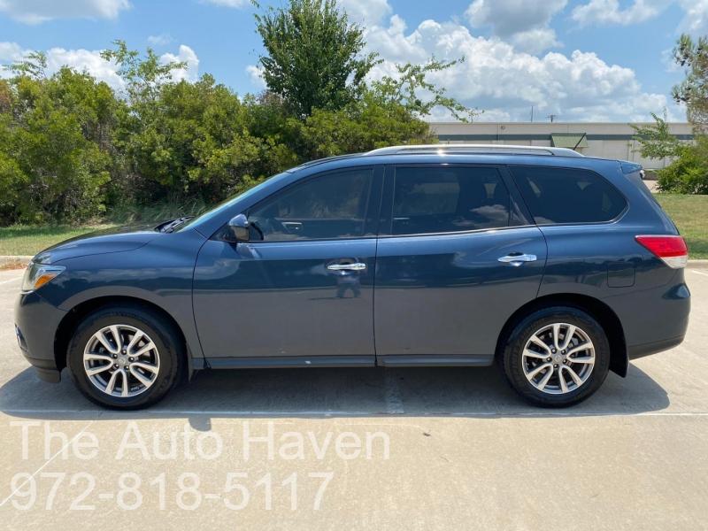 Nissan Pathfinder 2016 price $13,990