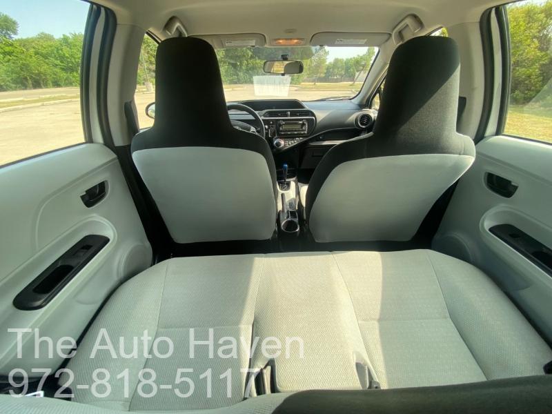 Toyota Prius c 2013 price $6,500