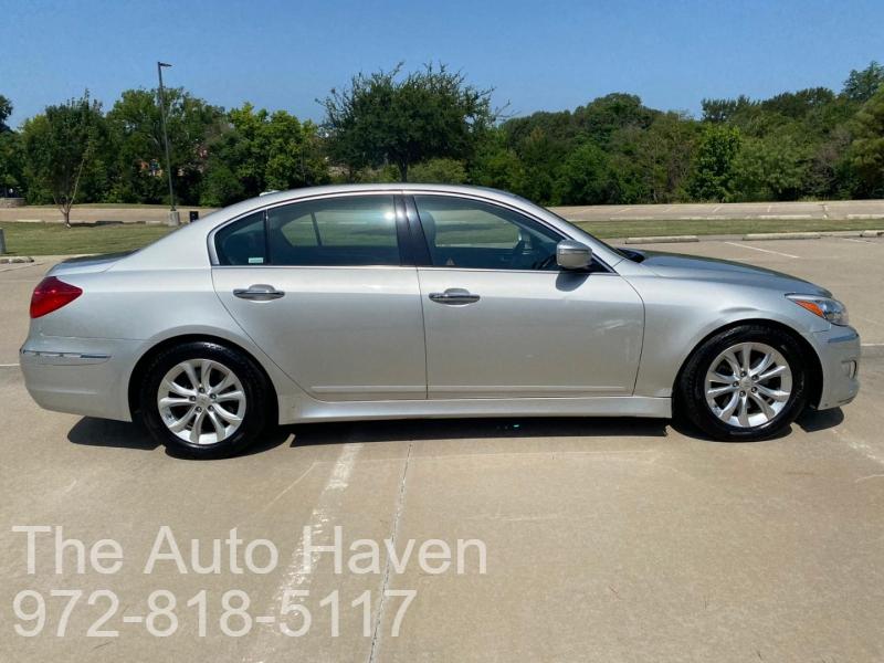 Hyundai Genesis 2012 price $9,500