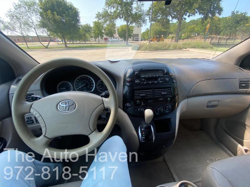 Toyota Sienna 2005 price $5,500