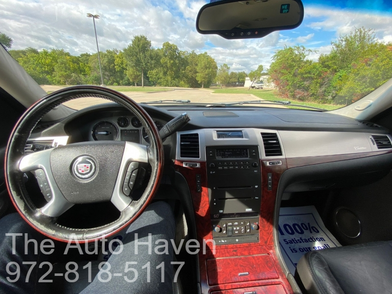 Cadillac Escalade 2007 price $12,990