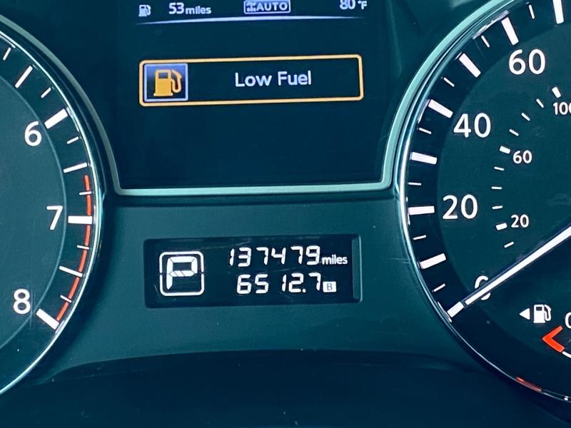 Nissan Pathfinder 2014 price $10,990