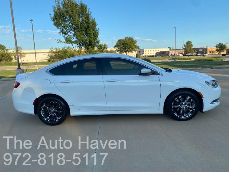 Chrysler 200-Series 2016 price $11,500