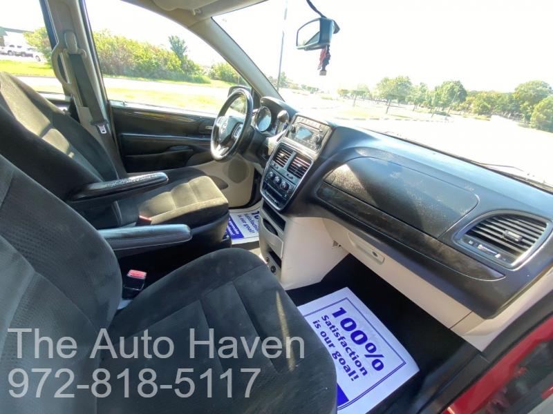 Dodge Grand Caravan 2016 price $10,990
