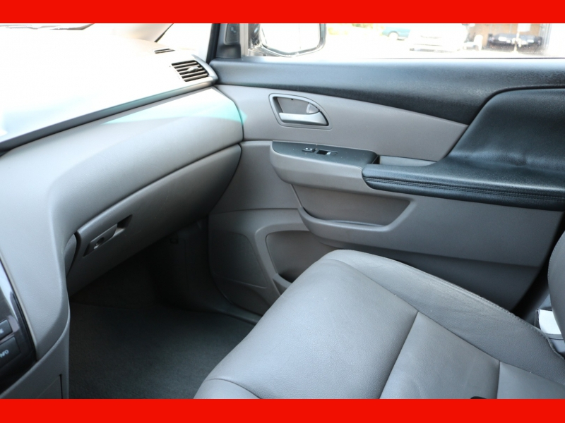 Honda Odyssey 2013 price $17,990