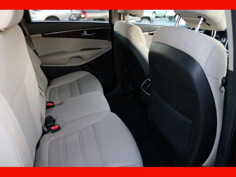 Kia Sorento 2017 price $16,990