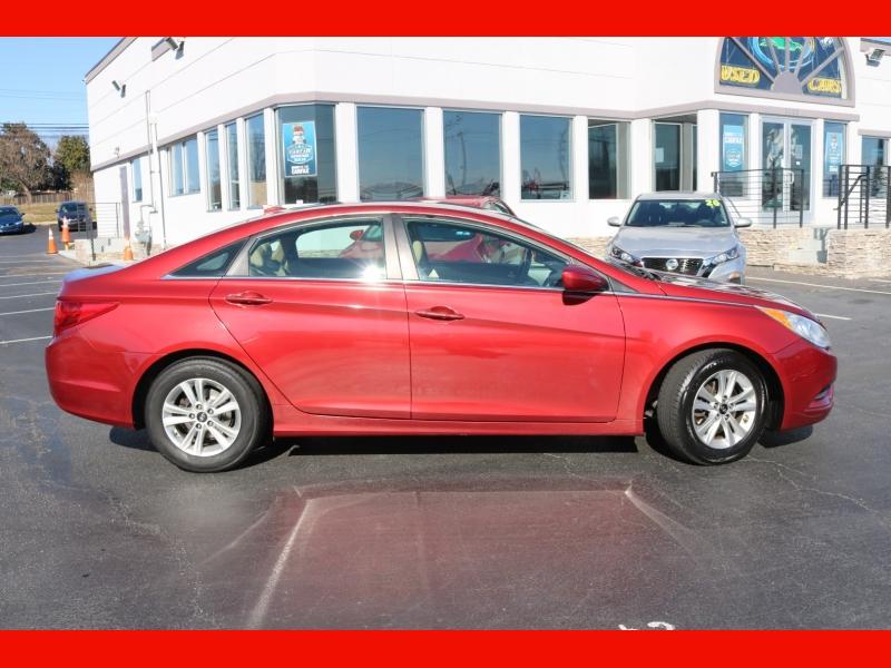 Hyundai Sonata 2012 price $6,990