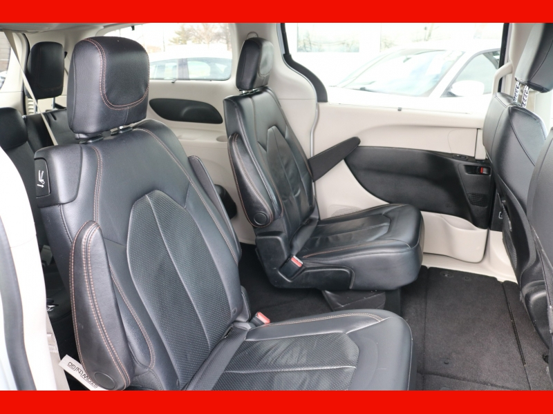 Chrysler Pacifica 2018 price $19,990