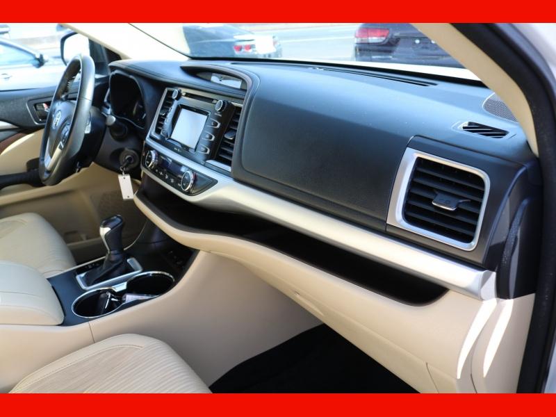 Toyota Highlander 2015 price $21,990