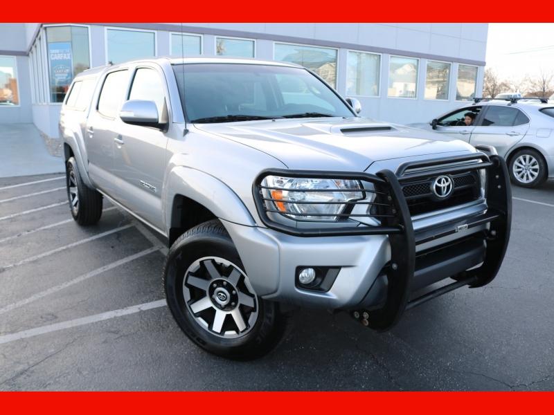 Toyota Tacoma 2015 price $28,990