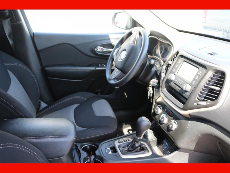 Jeep Cherokee 2015 price $13,990