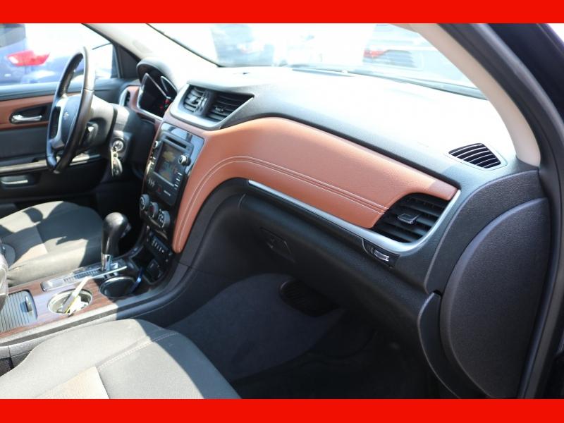 Chevrolet Traverse 2015 price $16,990