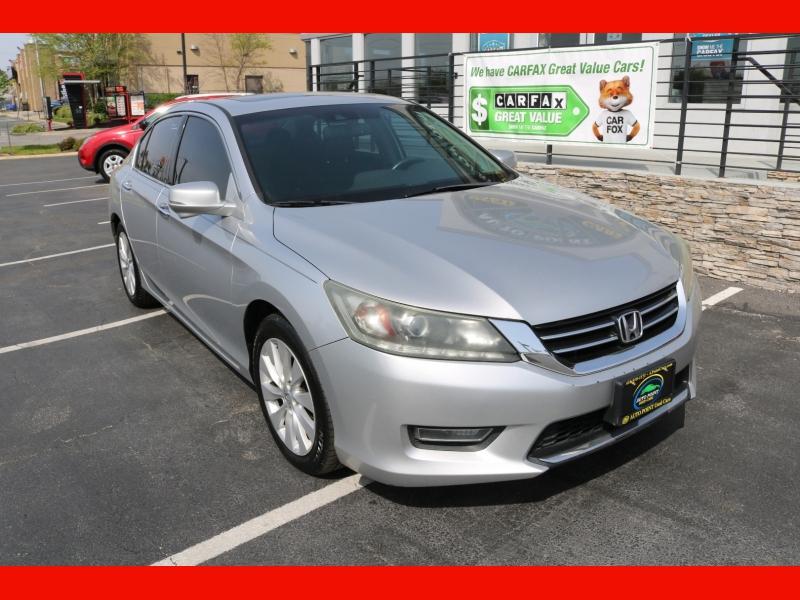 Honda Accord Sdn 2013 price $15,990