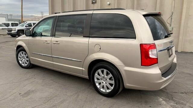 Chrysler Town and Country 2015 price $9,990