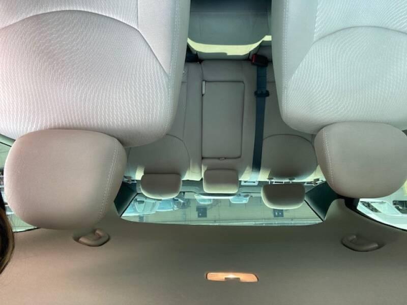Hyundai Elantra 2016 price $9,700