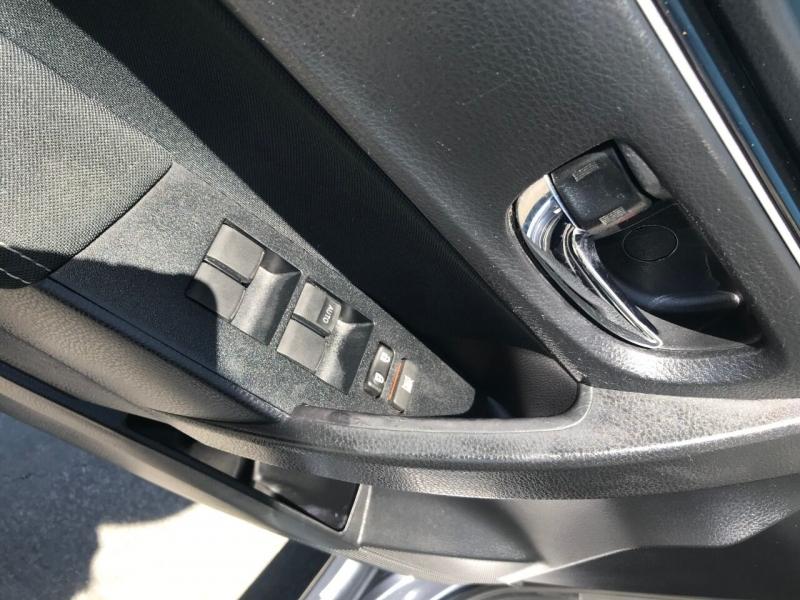 Toyota Corolla 2017 price $12,600
