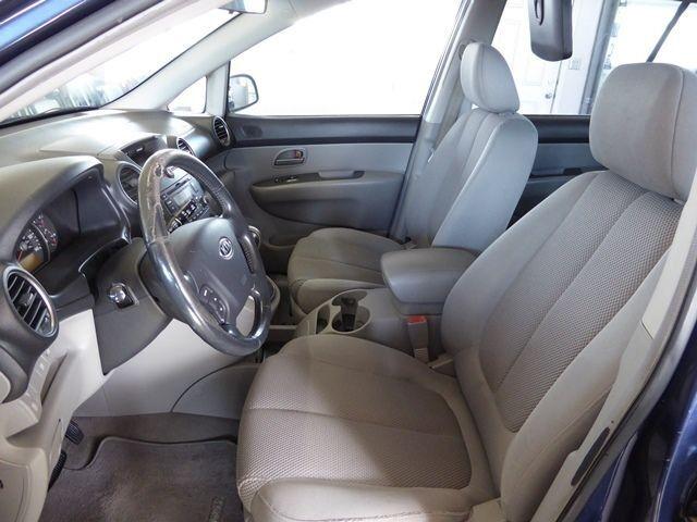 Kia Rondo 2007 price $3,990