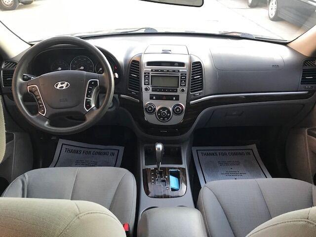 Hyundai Santa Fe 2010 price $7,500