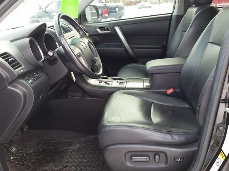 Toyota Highlander 2010 price $13,995