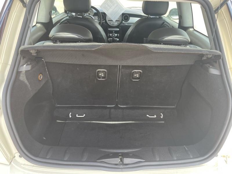 MINI Cooper Hardtop 2010 price $10,025