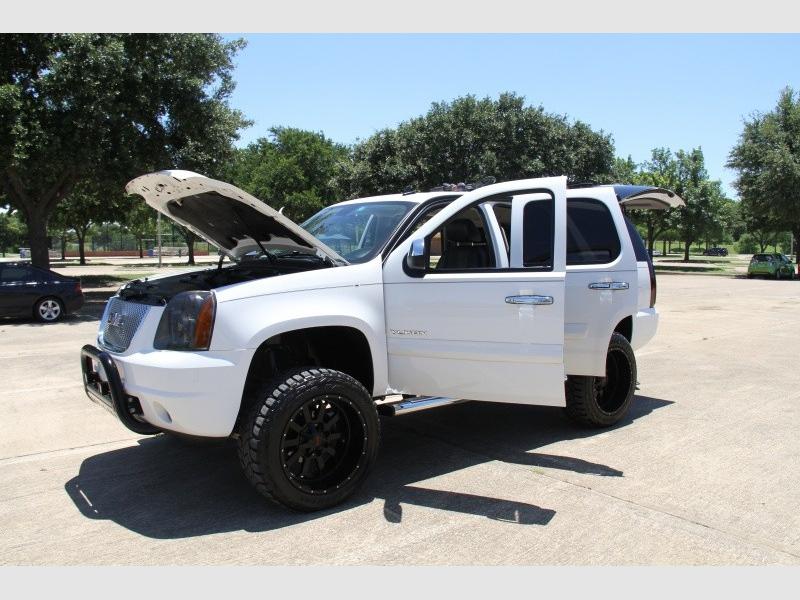 GMC Yukon 2007 price $15,999