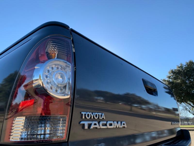 Toyota Tacoma 2011 price $12,900