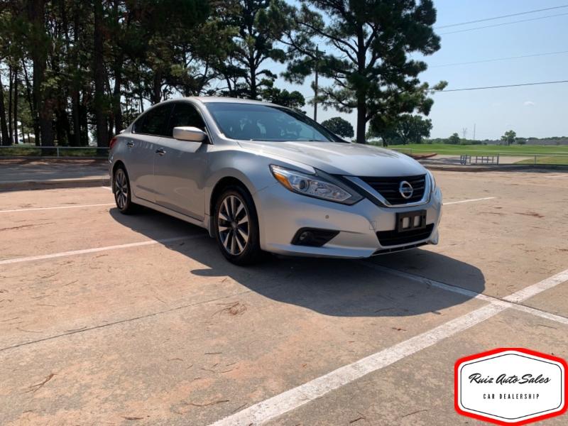 Nissan Altima 2016 price $12,900