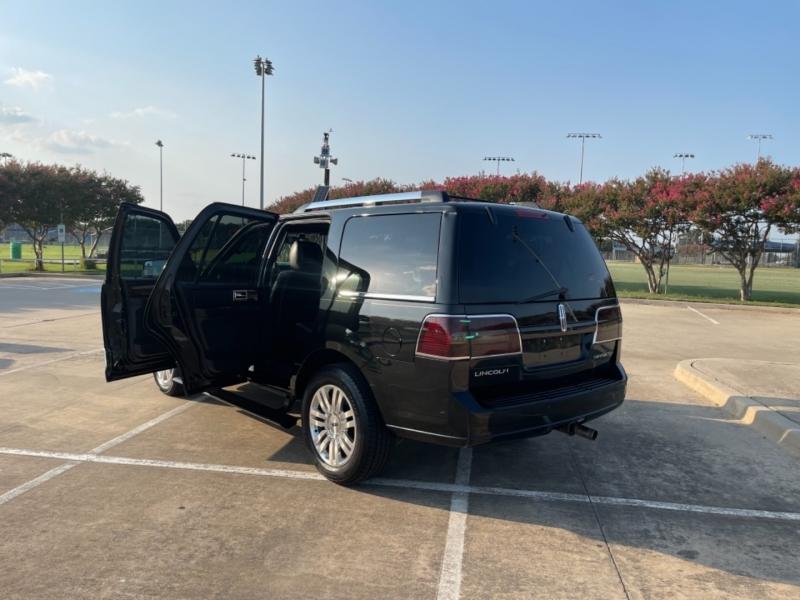 Lincoln Navigator 2013 price $16,900