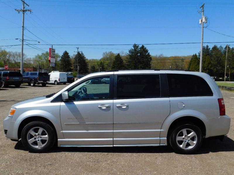 2010 Dodge Grand Caravan Sxt 4dr Mini Van Macrocar Sales Inc Dealership In Akron