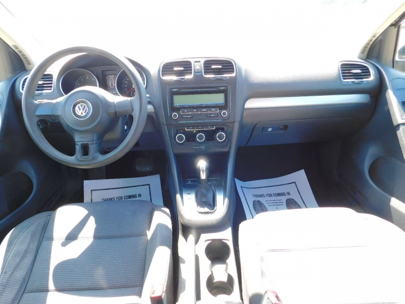 Volkswagen Golf 2011 price $3,700