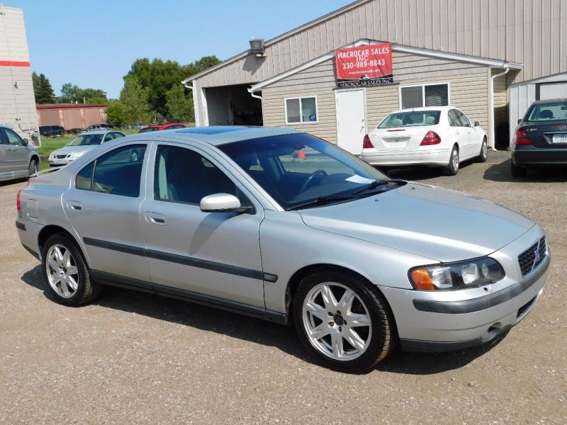 Volvo S60 2004 price $3,300