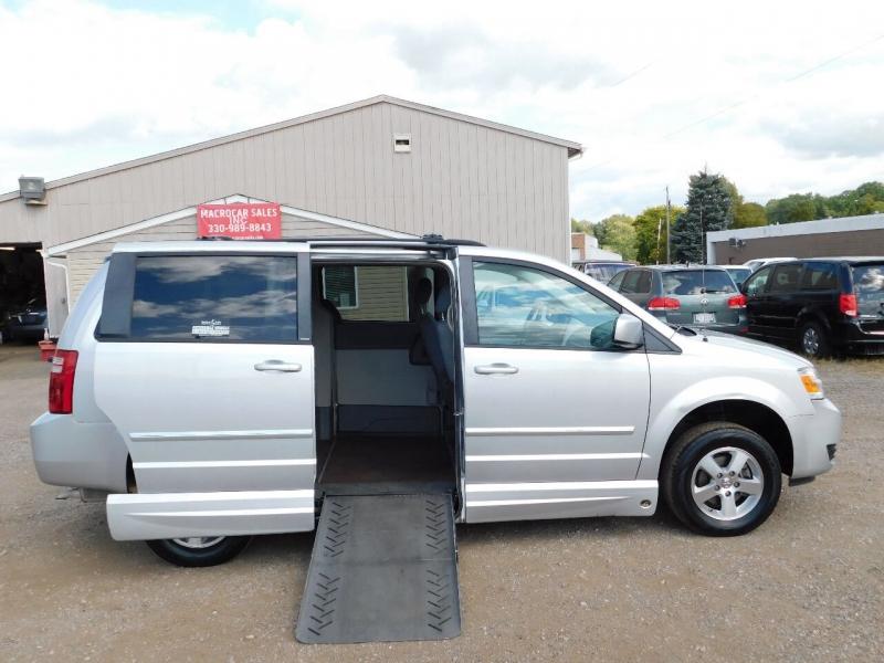 Dodge Grand Caravan 2009 price $9,900