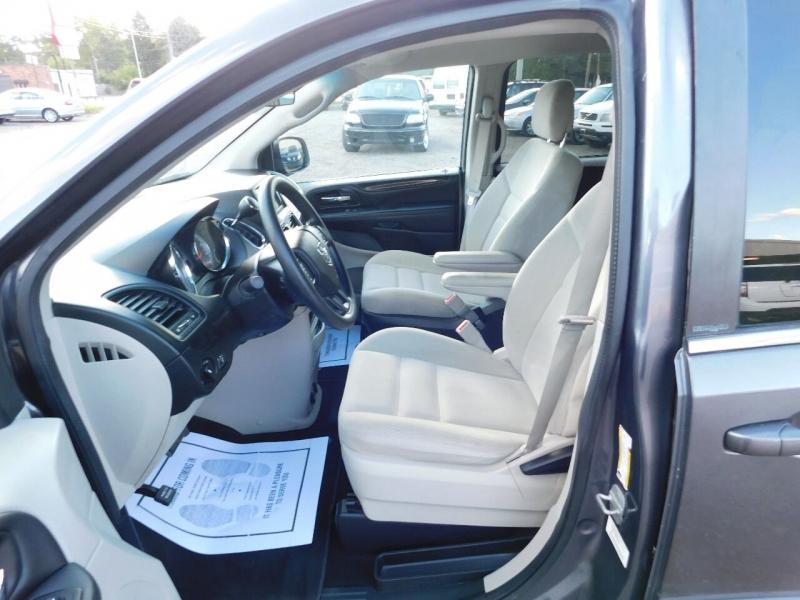 Dodge Grand Caravan 2017 price $23,900