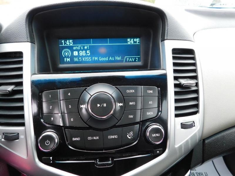 Chevrolet Cruze 2011 price $3,700