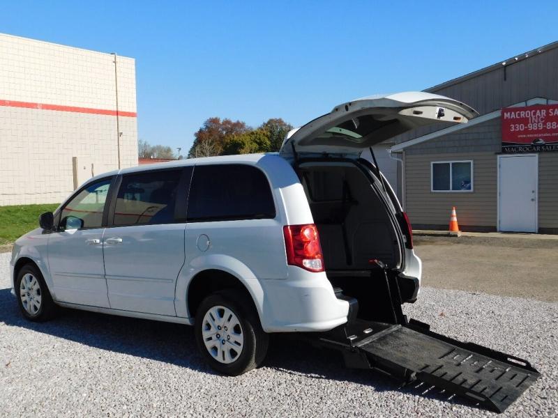 Dodge Grand Caravan 2015 price $9,900