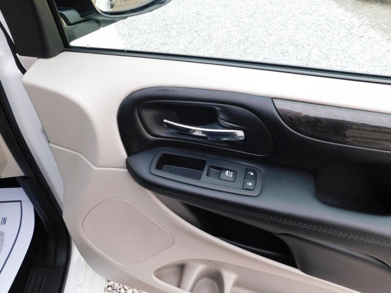 Dodge Grand Caravan 2019 price $26,900