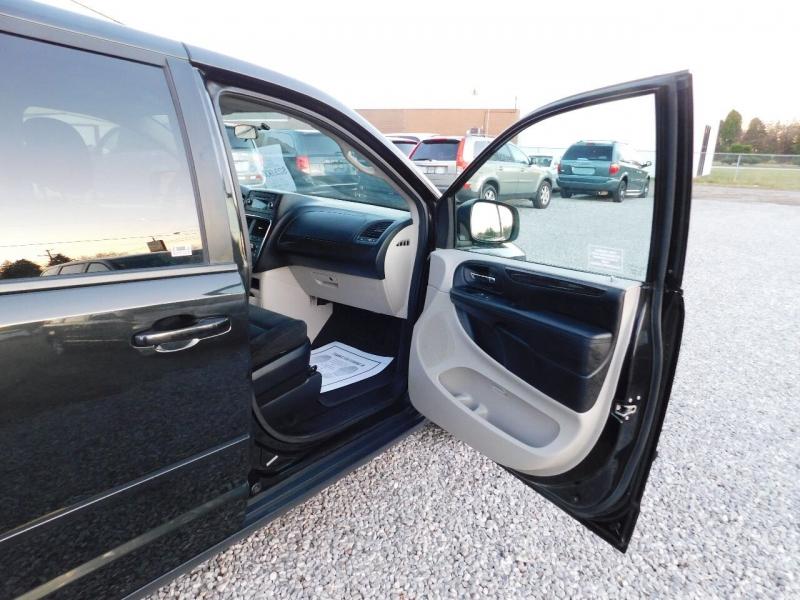 Dodge Grand Caravan 2016 price $23,900