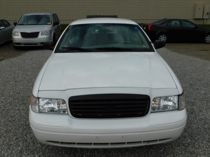 Ford Crown Victoria 2009 price $4,990