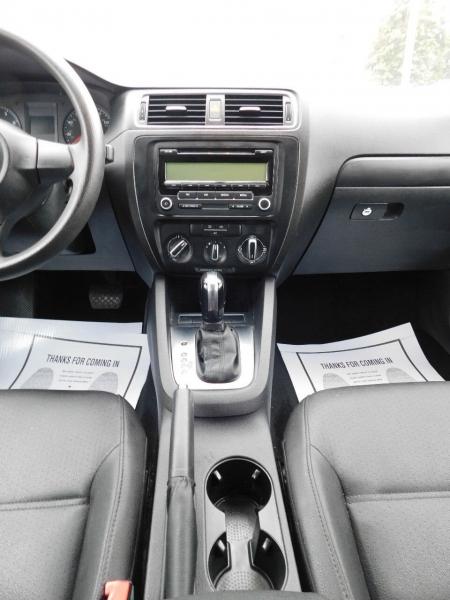 Volkswagen Jetta 2011 price $4,500