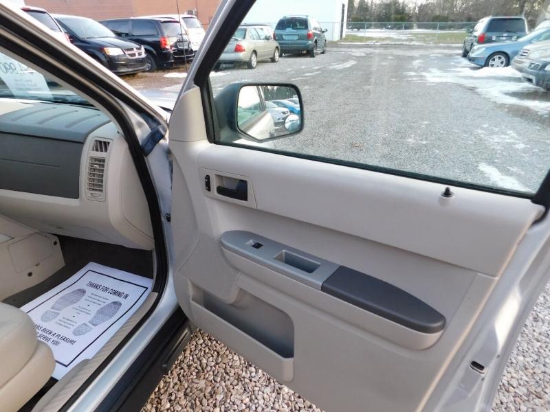 Ford Escape 2008 price $4,990