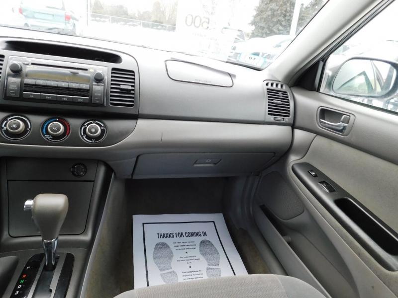Toyota Camry 2005 price $3,500