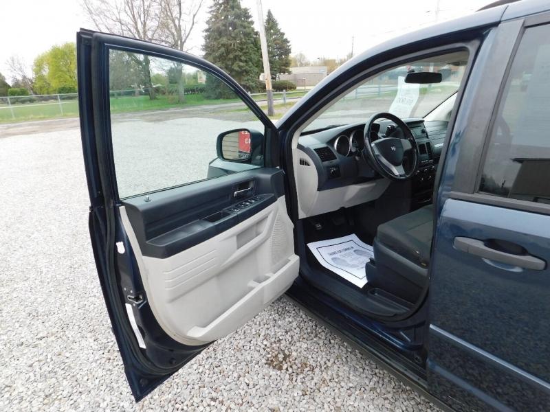 Dodge Grand Caravan 2008 price $9,900