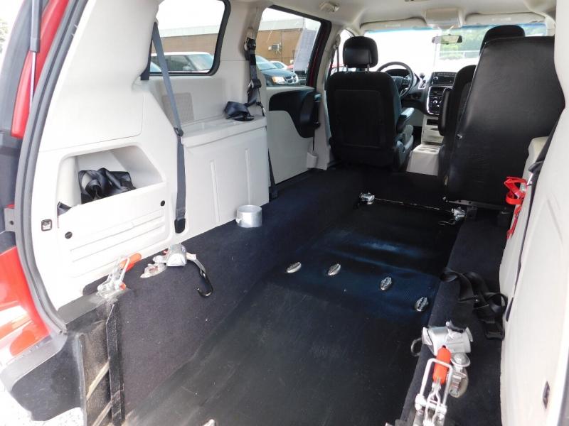 Dodge Grand Caravan 2016 price $18,500