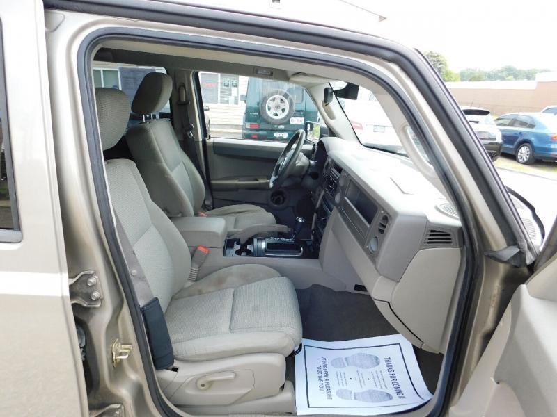 Jeep Commander 2006 price $4,500
