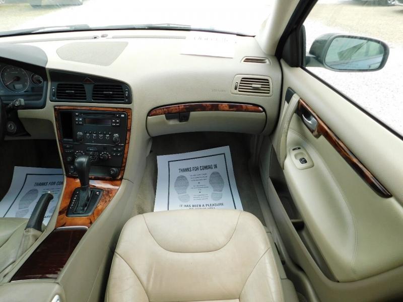 Volvo S60 2006 price $3,990