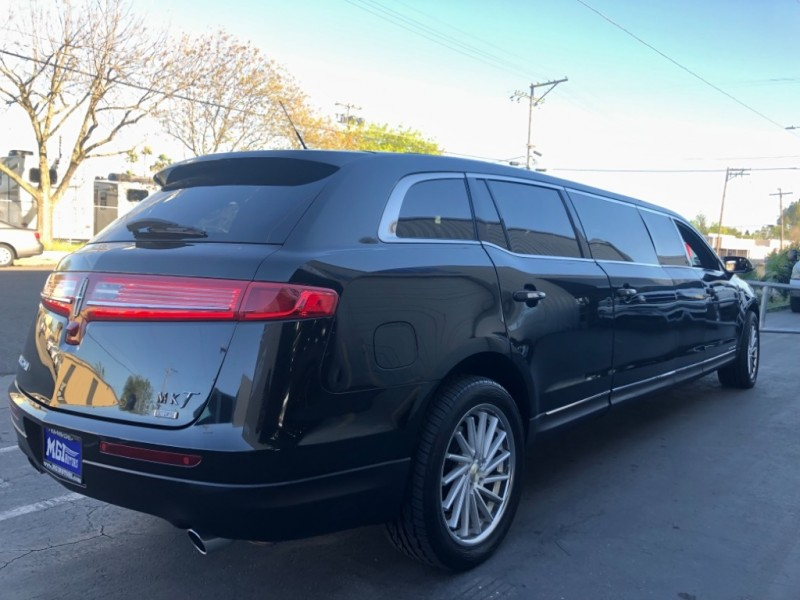 Lincoln MKT Town Car Limousine 2013 price $17,995