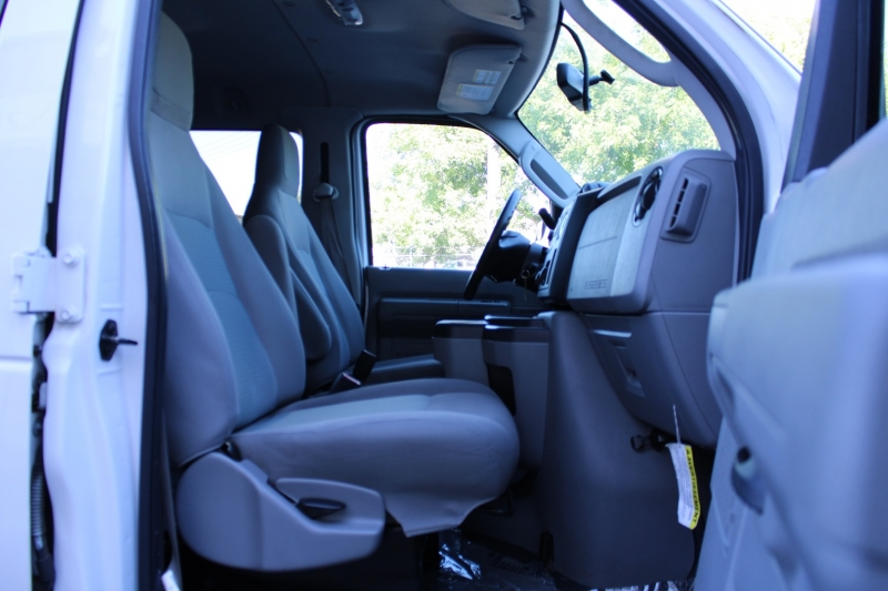 Ford Econoline Wagon 2014 price $15,995
